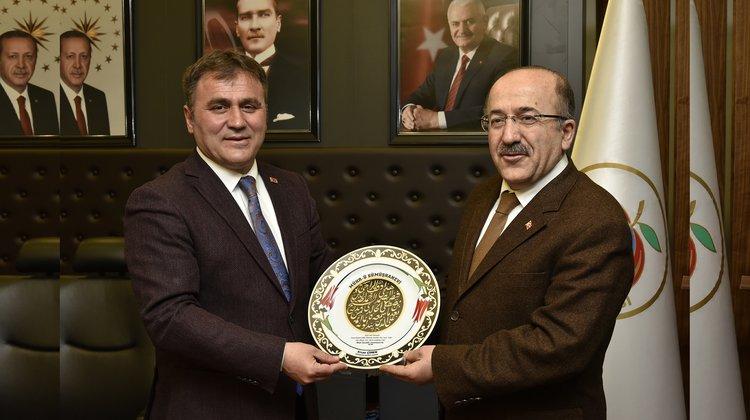 Gümrükçüoğlu'ndan Başkan Çimen'e ziyaret