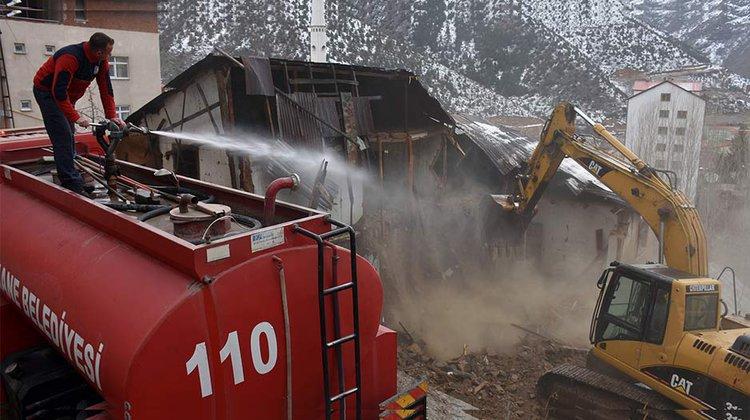 Metruk binaların yıkımını tamamladı