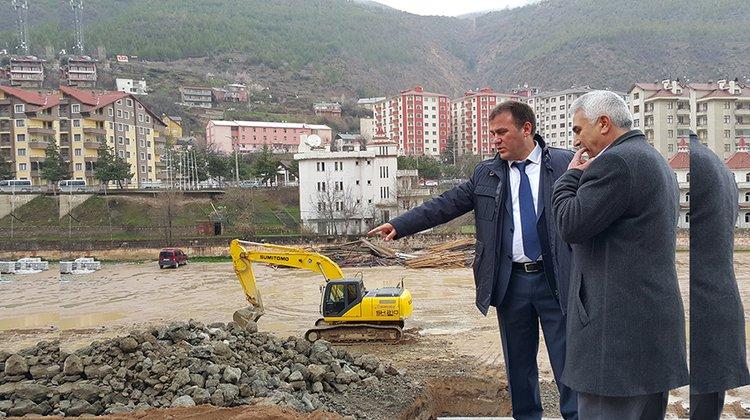 Başkan Çimen, Gençlik Merkezi inşaatını inceledi
