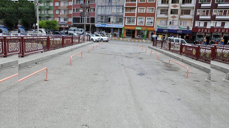 Gümüşhane Belediyesi köprü ve korkulukları yeniliyor