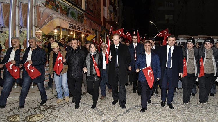 Gümüşhane'de 'Kurtuluş ve Şehitlere Saygı Yürüyüşü' yapıldı
