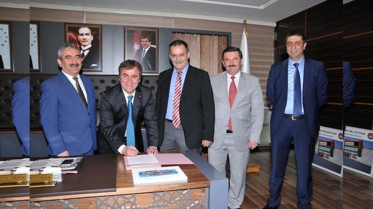 Belediye ile Belediye-İş Sendikası arasında toplu iş sözleşmesi imzalandı