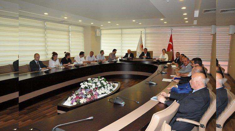 Başkan Çimen, Başkan Yardımcıları ve Birim Müdürleri ile toplantı düzenledi