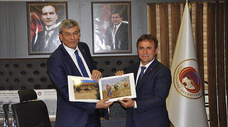 Başkan Çimen Bakan İpek'den, Adalet Sarayı Talep Etti
